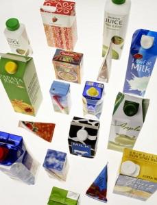 Ilustração de diversos tipos de embalagens Tetra Pak (Fonte: ário Silva, Técnico Industrial, em http://mariosilvatecnicoindustrial.blogspot.com.br/2014/06/maquinas-de-empacotar-e-envolver.html).
