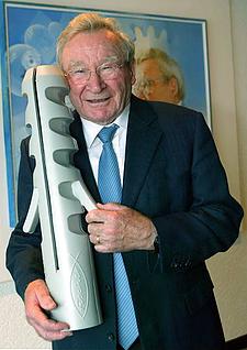 Prof Fischer